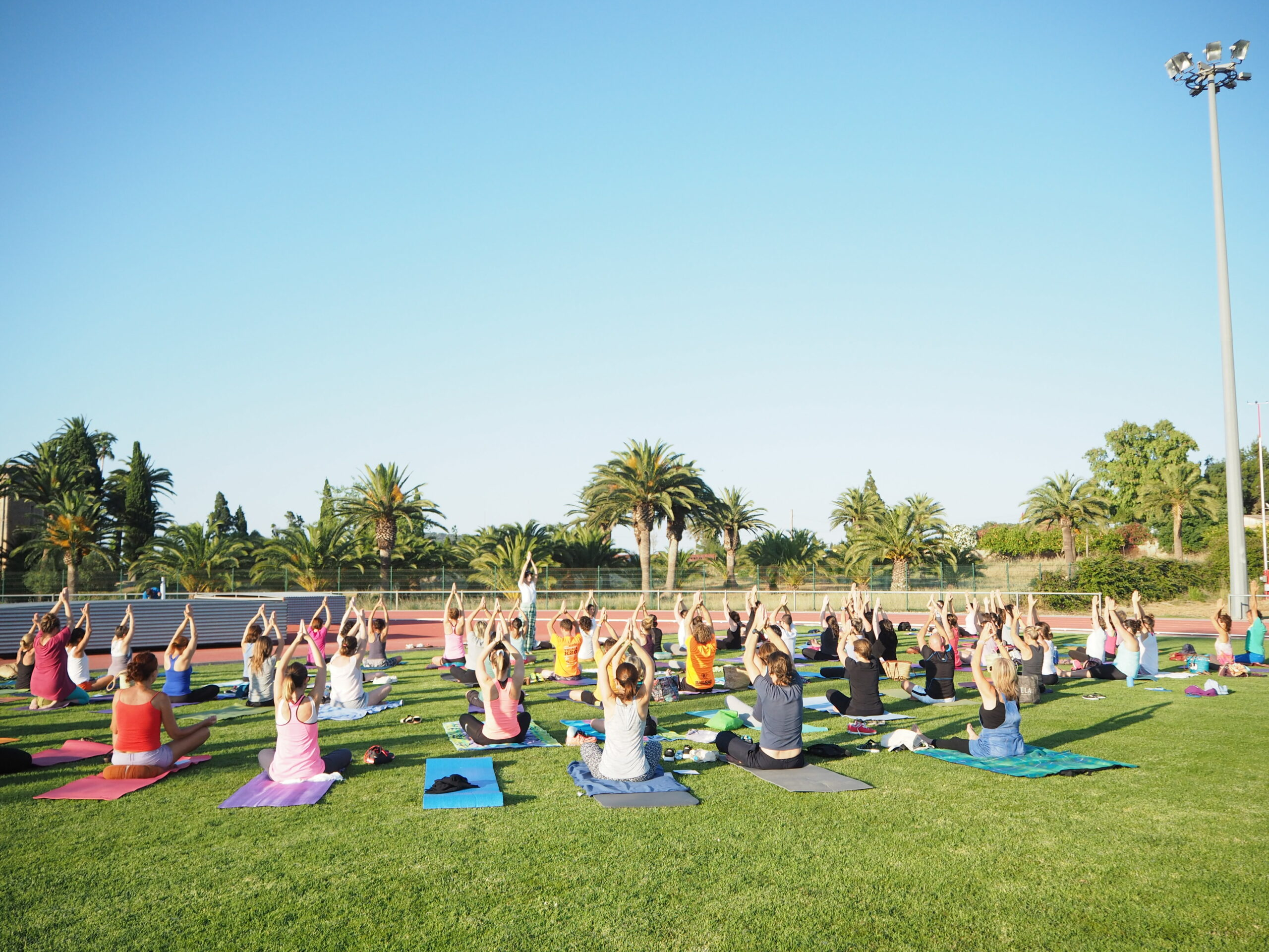 profesora yoga empresas
